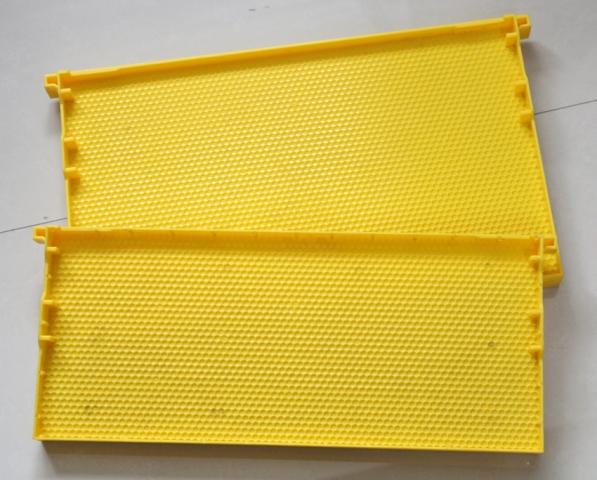 Пластиковая рамки для пчел